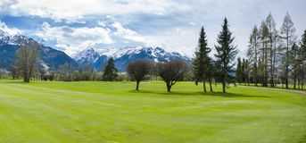 Golfbana i berg Royaltyfria Foton