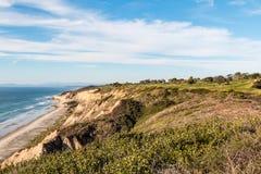 Golfbana i La Jolla, Kalifornien som förbiser den svarta stranden för ` s Royaltyfri Foto