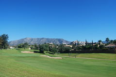 Golfbanaberg royaltyfri foto