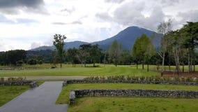 golfbanalandskap i det goodday Royaltyfria Bilder