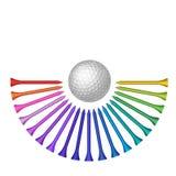 Golfboll med uppsättningen av utslagsplatsen Royaltyfri Bild