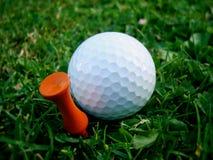 Golfboll & utslagsplats Royaltyfria Foton