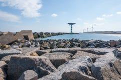 Golfbreker van grote blokken in de Nederlandse Noordzee Royalty-vrije Stock Afbeeldingen
