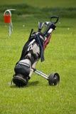 Golfclub-Beutel u. mobiler Buggy Lizenzfreie Stockbilder