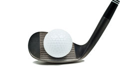 Golfclub die een bal raakt stock foto