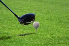 Golfclub met bal Stock Afbeelding