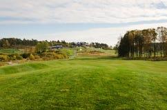 Golfcourse και clubhouse Στοκ Εικόνες