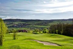 Golfcourse στα βουνά Στοκ φωτογραφία με δικαίωμα ελεύθερης χρήσης