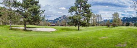 Golfcursus in bergen royalty-vrije stock fotografie