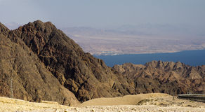 Golfe d'Aqaba de mountais d'Eilat photos libres de droits