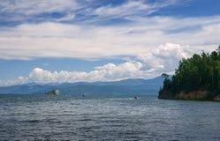 Golfe de Chivyrkuy de baie de perche d'Okunevaya du lac Baïkal Images libres de droits