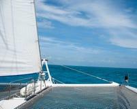 Golfe du Mexique de l'avant d'un catamaran Image stock