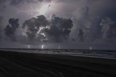 Golfe du roulement de Texas Storms dedans au cours de la nuit images libres de droits