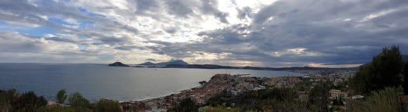 Golfe Panorma de Naples photo stock