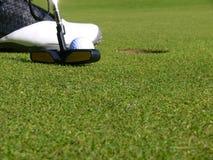 Golfe - um Putt curto Fotografia de Stock