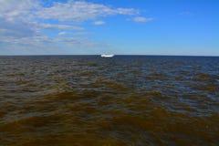 Golfen av Finland, St Petersburg, Ryssland Royaltyfria Bilder