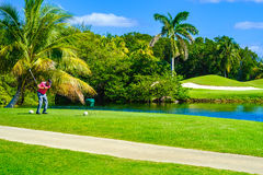 Golfeur piquant hors fonction Photographie stock