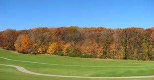 Golffeld und Falljahreszeit in Wisconsin Lizenzfreie Stockbilder