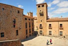 Golfines pałac, kwadrat w średniowiecznym mieście, Caceres, Extremadura, Hiszpania Zdjęcie Stock