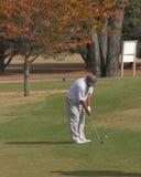 Golfing na queda fotografia de stock