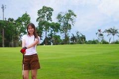 Golfista de la chica joven Imágenes de archivo libres de regalías