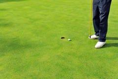 Golfista en el verde, Andalucía, España Imágenes de archivo libres de regalías