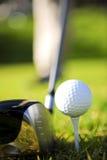 Golfista en la acción Fotografía de archivo libre de regalías