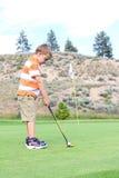 Golfista joven imagen de archivo libre de regalías