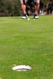 Golfista listo para poner Imagenes de archivo