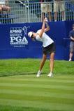 Golfista Paula Creamer Tee de las señoras apagado en el campeonato 2016 del PGA de las mujeres de KPMG en el club de campo de Sah Foto de archivo