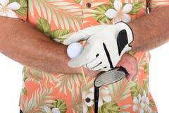 Golfista que lleva la camisa hawaiana Imagen de archivo libre de regalías