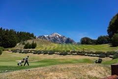 Golfista w górach San Carlos De Bariloche zdjęcie stock