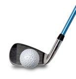 Golfklubb och boll på white Fotografering för Bildbyråer