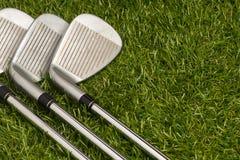 Golfklubbar eller golfjärn royaltyfri bild