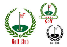 Golfklubbbadg med bollen på fält vektor illustrationer