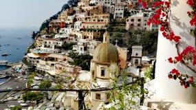 Golfo de Italia del Campania de Positano de Salerno la perla del inolvidable vertical de la ciudad hermosa de la naturaleza del t fotos de archivo libres de regalías