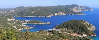 Golfo de Paleokastritsa no console de Corfu Imagens de Stock Royalty Free