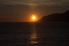 Golfo de Salerno en la puesta del sol Imagen de archivo