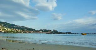 Golfo Dei在一幅晴天全景的Poeti莱里奇采取从 免版税库存图片