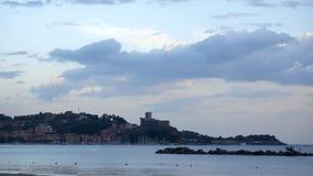 Golfo Dei在一幅晴天全景的Poeti莱里奇采取从 库存图片