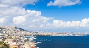 Golfo del paesaggio panoramico di Napoli con paesaggio urbano Fotografia Stock