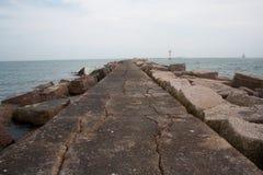 Golfo do México cor-de-rosa do molhe do granito fotografia de stock royalty free