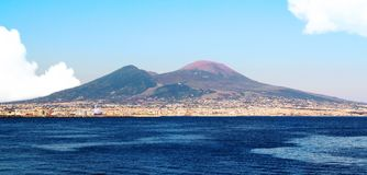 Golfo Napoli IL Ed-IL-vesuvio stockbild