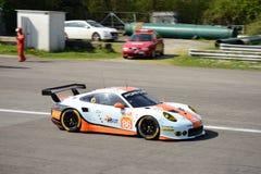 Golfo Porsche que compite con 911 RSR en Monza Imagen de archivo