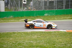 Golfo Porsche que compite con 911 RSR en Monza Fotos de archivo libres de regalías