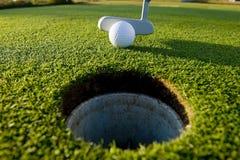 golfowy uderzenie zakańczające Fotografia Royalty Free