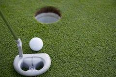 golfowy uderzenie zakańczające krótki Zdjęcie Royalty Free