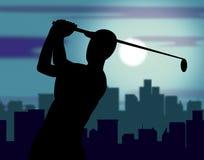 Golfplatz bedeutet das Golfspieler-Übung und Golf spielen Stockbilder