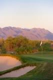 Golfplatz in der Arizona-Wüste Stockbilder