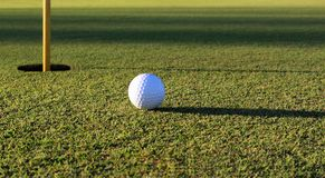Golfplatz-Grün Lizenzfreie Stockbilder